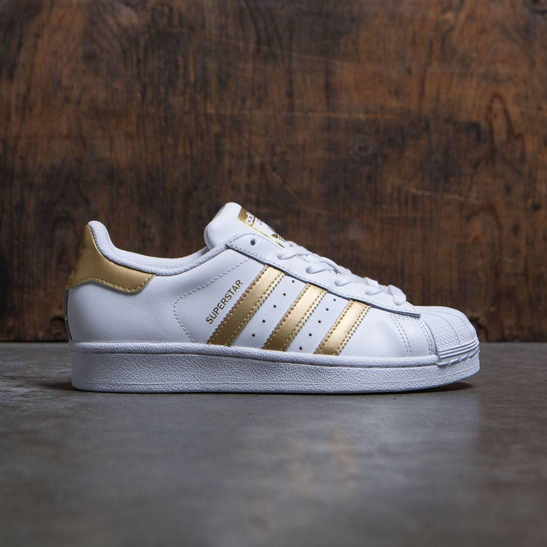 Giầy Adidas superstar